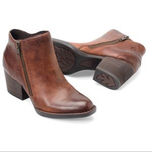 Born Rowell cognac ankle boots zipper size 9